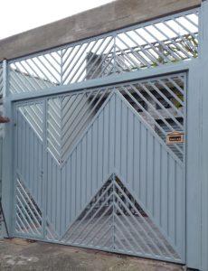 portão basculante colocado